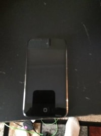 4th Generation Ipod Touch 32 gb, 32 gb ipod touch in great condition The ipod comes with a black gum drop case and also a screen protector on the front., Like new
