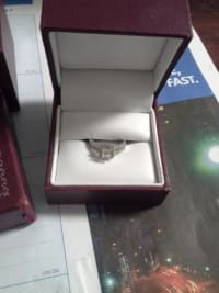 New Engagement Ring , selling a Brand new white gold diamond Engagement ring Have all paperwork, certificates and original boxes. , Like new