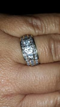 gorgeous diamond 14k , 14k gold ring.real diamonds like new, Like new