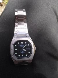 Seiko mens watch, Mens Seiko watch it is stainless steel like new, Like new