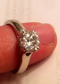 Brilliant 1.01 carat diamond engagement ring, White diamond engagement ring 1.01 carat round cut like new, Like new