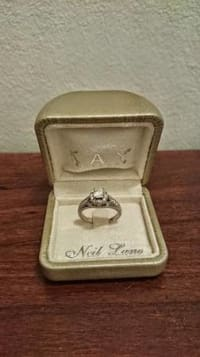 Neil Lane Engagement Ring, White Gold and diamonds Engagement Ring weight is 1.5 carat like new, Like new