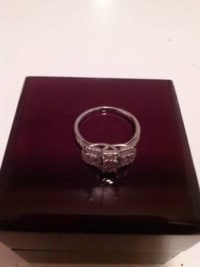 Diamond Ring, diamond and gold ring Gently used, Gently used