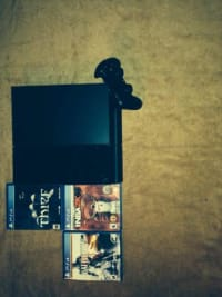 Ps4 with 5games, ps4 comes with 5 games Gently used, Like new