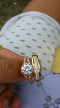 new wedding ring set, size 9, 14 karate gold and diamond wedding ring set.Like new, Like new