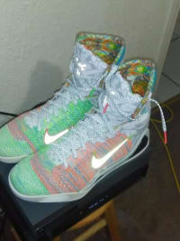 Pawn or buy a used What the Kobe 9