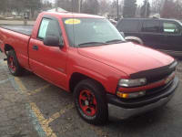 2001 CHEVROLET SILVERADO, 2 door. 2 wheel drive. drives really smooth. tip top condition, used