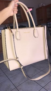 c92d1a0fb4f7ff Michael Kors Mercer Large Leather Tote, Michael Kors and owned for 7 months  now.