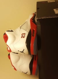Retro Jordan fire red 5s size 11, Retro Jordan's fire Red 5s size 11