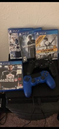 PS4 2 Controllers and 4 games