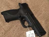 Smith and Wesson m&p 9mm, Gun, Case changeable hand grips two 17 round mags, Military and police edition