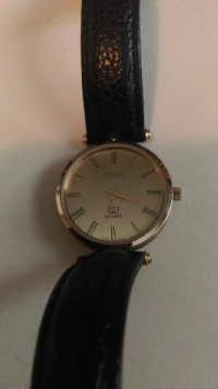 watch, Luxury Watch, Gucci Quartz, Luxury Gucci watch gently used, no marks and in great shape. Best offer.