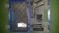 40 caliber smith Wesson , Gun, 3 mags, Back steel 40 caliber smith Wesson
