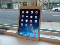iPad 4, Electronics, Apple I pad generation 4, Maybe half of a year old basically brand new no scratches