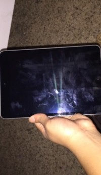 iPad mini air, Electronics, Apple, Clean screen no cracks no scathes looks brand new.