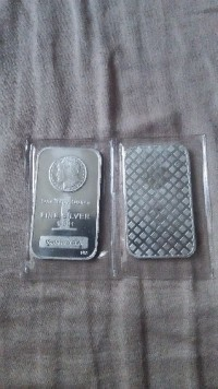 2 - 1 oz silver bars, Precious Metal or Stones, 1 oz  each, Both in plastic vacuum pack