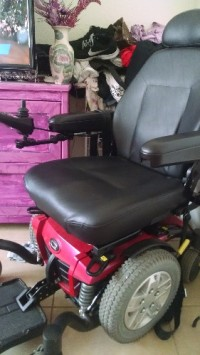 Electric mobility chair, Other, Qwantom mobility chair Q6 edge, 5 MPH  MAX SPEED 15 MILES ON A CHARGE HAVE ALL PAPERS AND manual's used for a month to go to the store has charger and all cables new price was 7,200.