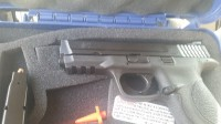 Gun , Gun, Two clips, Smith and wesson m and p 9mm