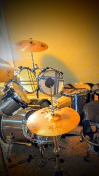 Recent Offers For TAMA ROCKSTAR DRUM SET