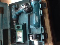 makita 1434 cordless drill and case, Tools, Equipment, 14.4v cordless drill and flashlight, charger and 2 batteries