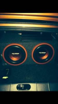 2 12 inch Volfenhag subs BANG, 2 12 inch Volfenhag subs with box these subs bang loud, very heavy, and great subs overall., Gently used