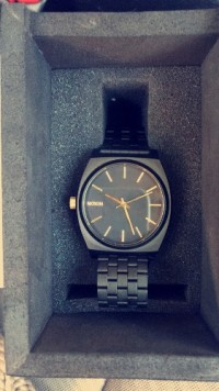 Black and gold Nixon time teller watch, Luxury Watch, Nixon time teller , Brand new in box only worn once