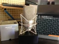 """Nuemann tlm 49, Musical Instruments, Equipment, eumann Tube Mic Sound in a Transformerless Condenser Mic The TLM 49 is a large-diaphragm studio microphone with a cardioid directional characteristic and a warm sound which is especially optimized for vocal performance. It is supplied as a set, with an elastic suspension. The TLM 49 design is inspired by that of the legendary M 49 and M 50 microphones of the 1950s. Naturally the TLM 49 has the typical Neumann fine matte nickel finish. The """"sound design"""" is also oriented toward that of the M 49 and the U 47. By combining its retro look with proven Neumann transformerless circuit technology, this microphone ensures low self-noise and the use of high gain levels."""