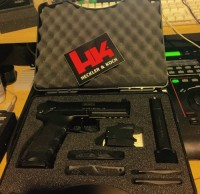H&K P30, Gun, Box, docs, lock, 2 magazines, 2 holsters, H&K P30s Variant 3.