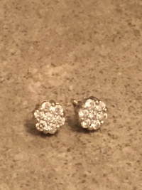14K Gold Prong Round Diamond Clusters Earrings 1ct Studs , Jewelry, 3 grams, 14 k, 1 carat. White gold, 14K Gold Prong Round Diamond Clusters Earrings 1ct Studs weigh approximately 3 grams. Have backs and box it came in.
