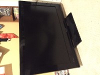"Television, Electronics, Toshiba 32AV502U, 32"", runs perfectly fine. No cable damage. No scratches on screen."