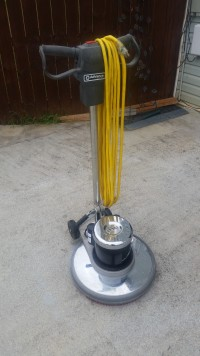 "20""floor buffer, Tools, Equipment, 20"" floor buffer with deck and pads.like new.3 yrs old.works great, barely used."