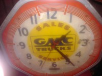 GMC ANITQUE CLOCK, Electronics, Gmc Advertising clock vintage, Its old and could be worth something