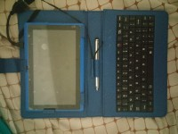 Android Zeepad 7.0, Electronics, Android Zeepad 7.0, The tablet has a keyboard case.