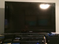 "46"" Samsung LED tv, Electronics, Samsung , 46"" Samsung LED tv, still have the original remote."