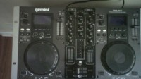 Turn Table, Musical Instruments, Equipment, Gemini professional CD/Mp3 dj work station
