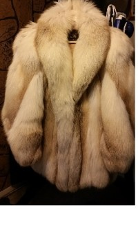 Fur coat, Other, Fur coat, Koslows tag, size large?