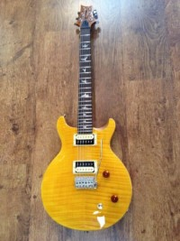 prs Santana guitar , Musical Instruments, Equipment, Mint condition prs Santana se guitar with hard shell case