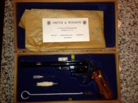 gun, Gun, Smith and Wesson Model 29, Original presentation box with barrel brush and documentation