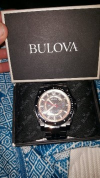 Bulova watch, Luxury Watch, Bulova precisionist champlain black stainless steel, Good gondition . With box , extra links and the tag price
