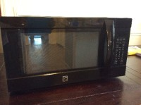 Kenmore elite microwave, Electronics, Kenmore Elite 2.2 cu. ft.  Microwave Model No. 405.7 4229310, 2014, Black 1200W counter top microwave.  New.  Out of box.  Manufactured March 2014.