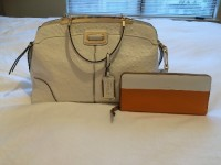 Coach designer handbag , Designer Wear & Handbags, White ostrich coat tote bag with color blocked wallet. Slightly worn and in good condition. NO DUSTBAG INCLUDED