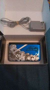 Nintendo 3ds xl, Electronics, Nintendo, 3ds xl, 2010, Nintendo 3DS XL Blue Super Smash Bros. Special Edition, comes with charger.
