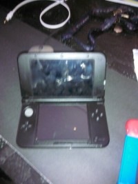 Nintendo 3ds xl, Electronics, Nintendo 3DS XL , 2014, In very gud condition just doesn't have stylist or charger, Cricket