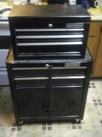 craftsman tool box comes with various tools no damage to it comes with key to