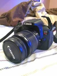 Canon T4i DSLR Camera, Canon T4i camera with camera bag and a 32GB lex at class ten SSD Card like new, Like new