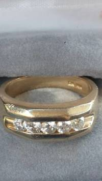 3/4 carat 14k gold, Gold and diamond ring weighing 3/4 carat 14k gold , Like new