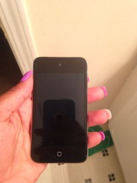 iPod touch 4, Apple iPod touch generation 4 A136, Gently used