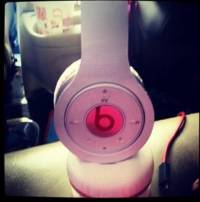 Beats wireless white , A pair of white beats with charger and aux cord and remote control. Gently used, Gently used