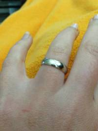 Wedding Band, Size 5.75 Ladies 4k white gold wedding band.it is in new condition., Like new