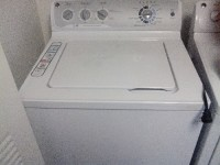 Washer, White General electric company washer Mod.# gcwn495D1WS Serial Number GD916594G